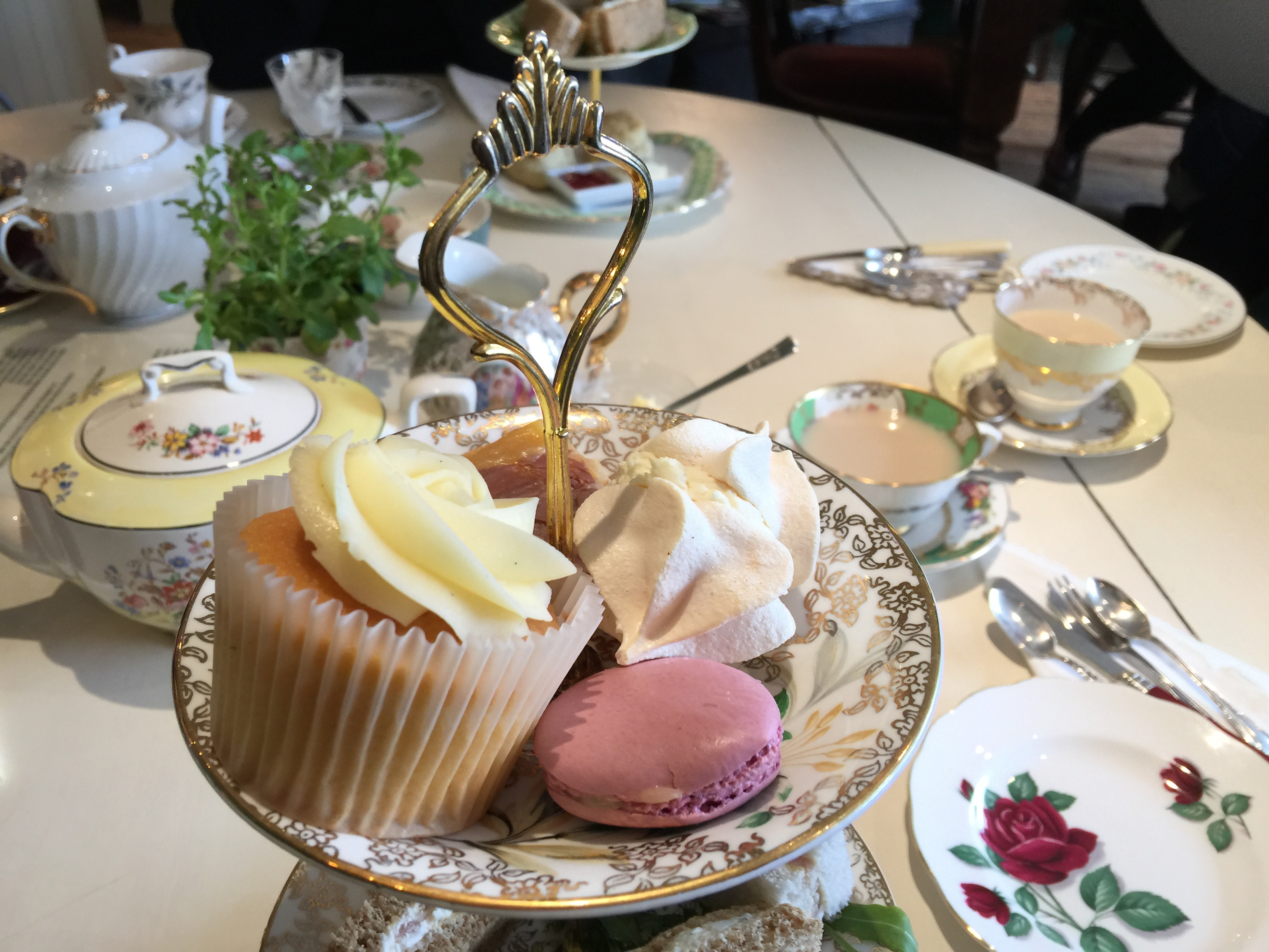the tea set, chipping norton | a wonderful tea room in the cotswolds